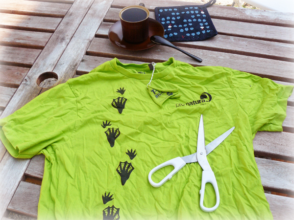 diy recycler ses vieux t shirts en accessoires eco. Black Bedroom Furniture Sets. Home Design Ideas