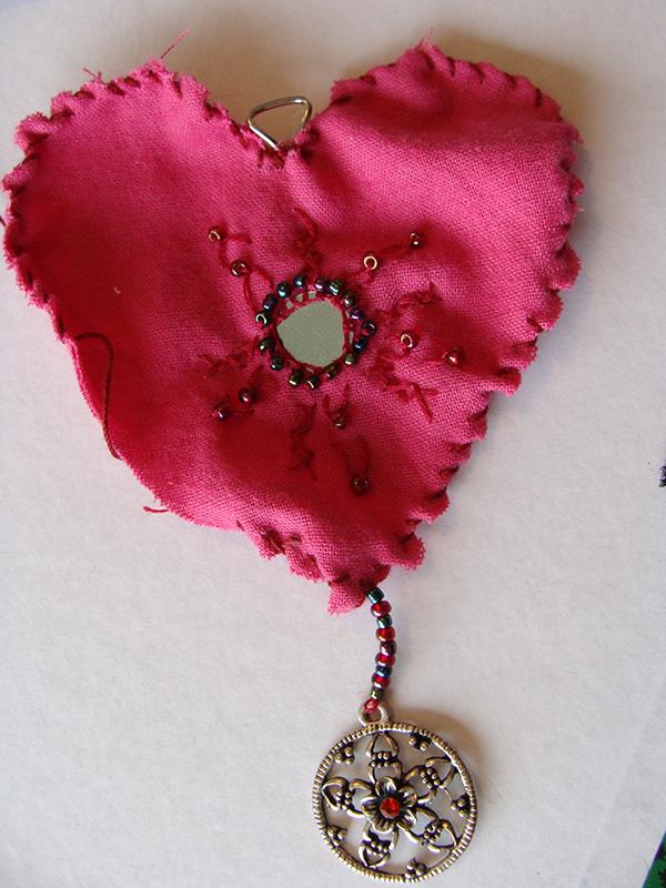 DIY  créer un pendentif en cœur récup' pour la st Valentin8